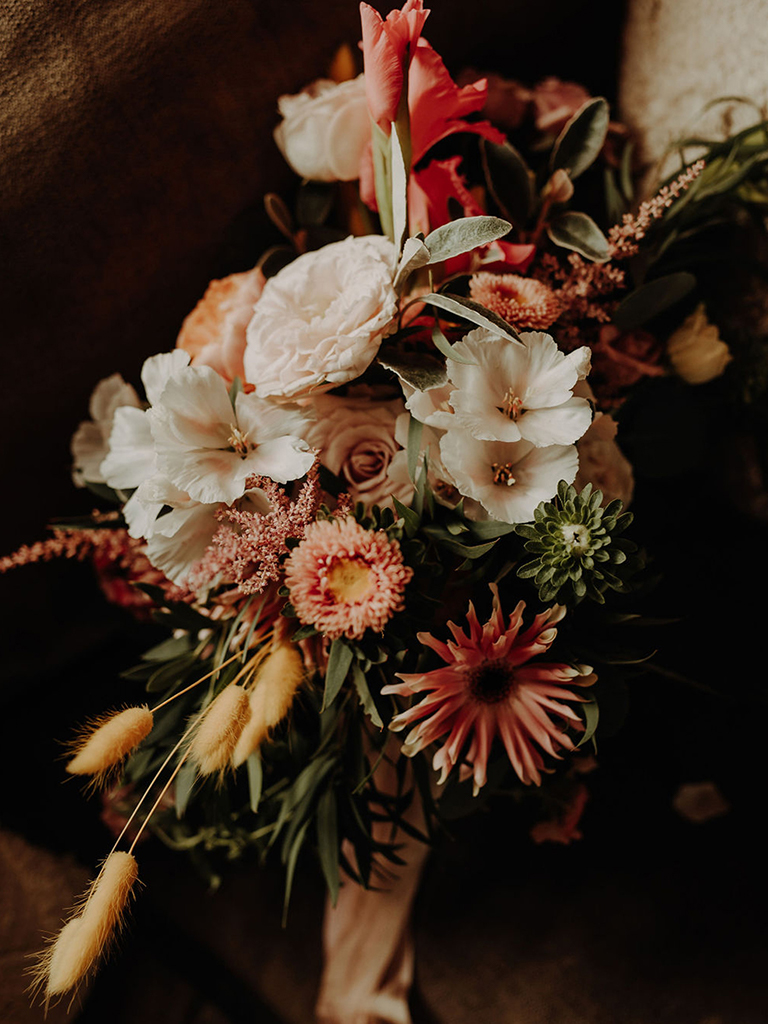 Lena Sabala Photographer - wedding flowers