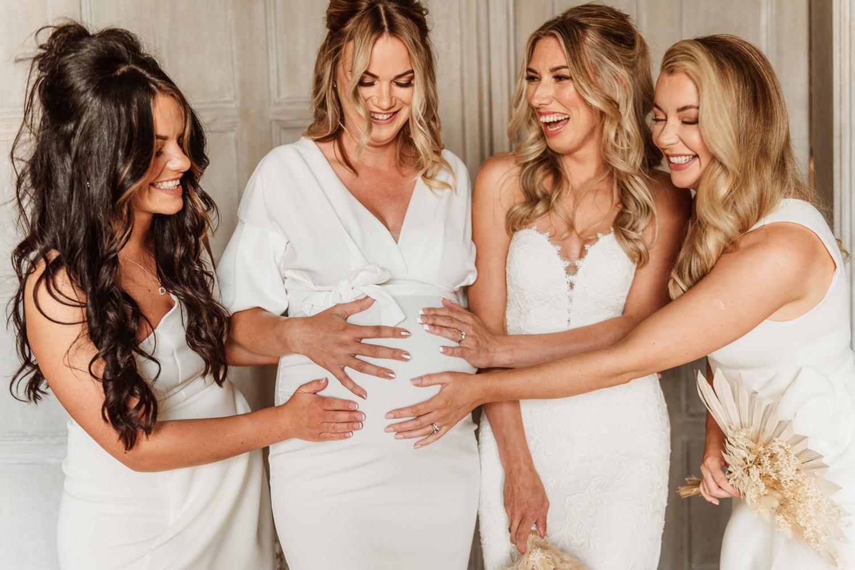 Leo Paredes Photography - pregnant bridesmaid